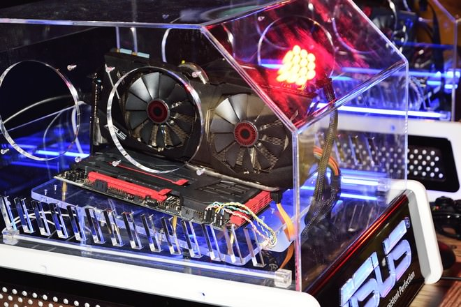 asus-rog-72-game-party-10