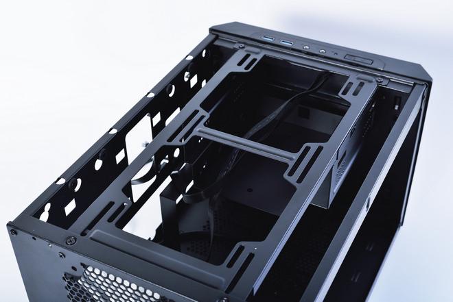 220-Fractal Design Core 500-2