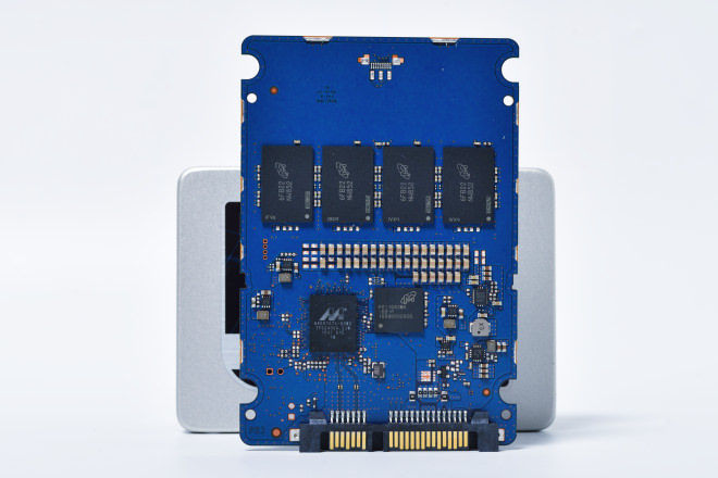 micron-crucial-mx300-7